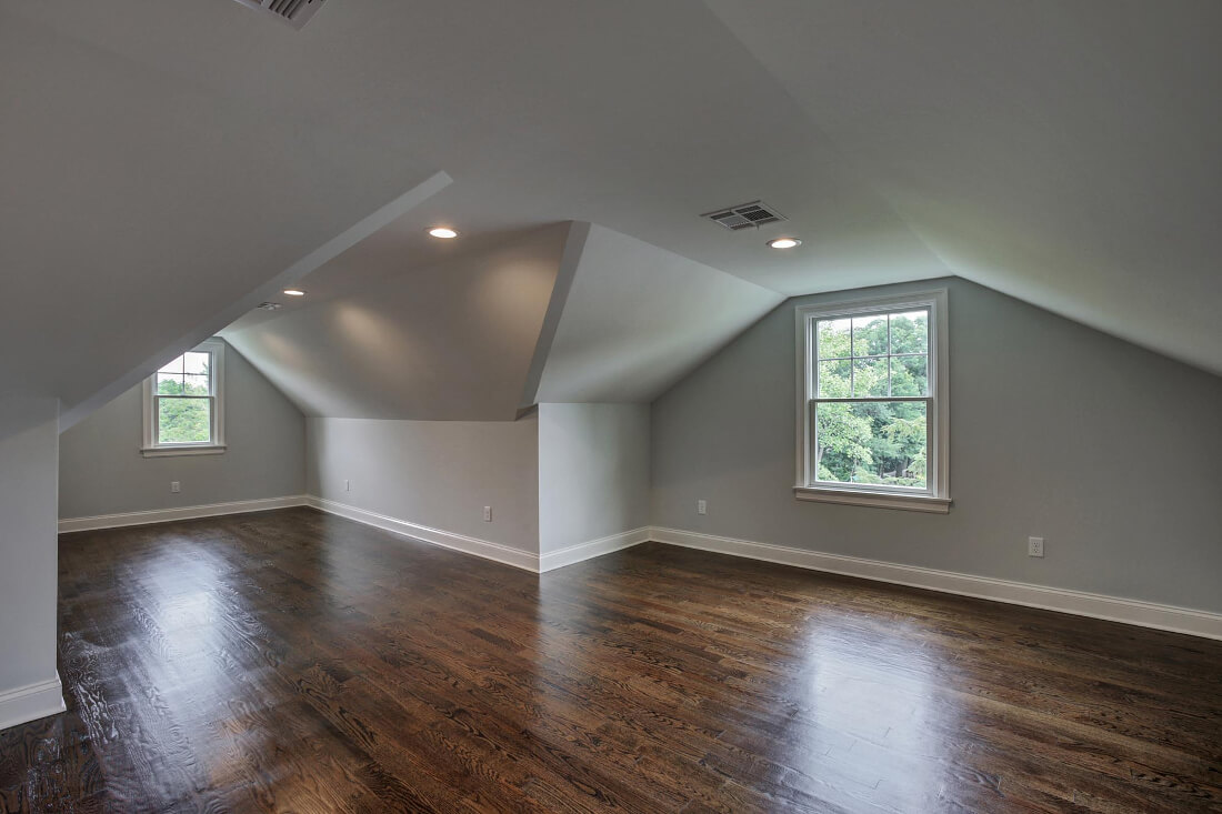 14 Attic Bedroom