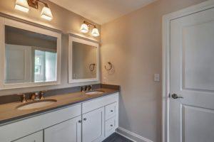 14 Wychview Drive, Westfield- Jack and Jill Bathroom