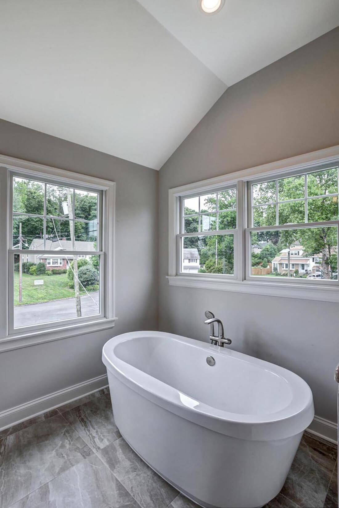 14 Wychview Master Bathroom II