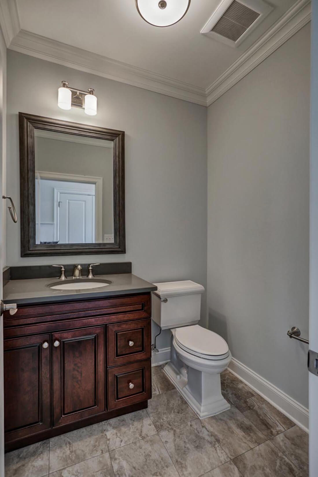 14 Wychview Powder Room