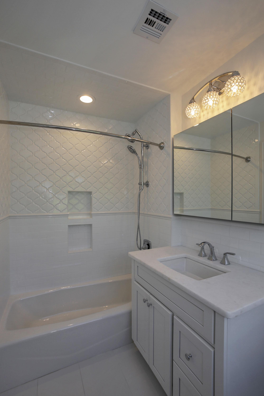 20 Barchester 2nd Floor Bathroom 1