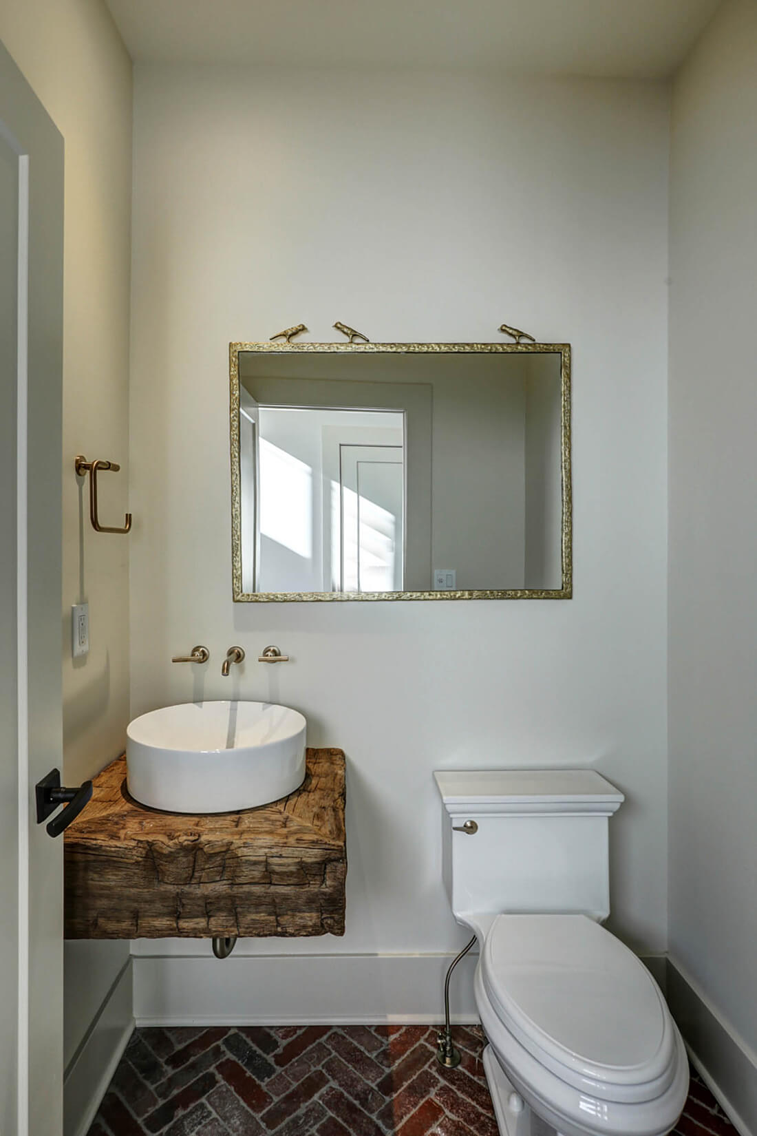 221 Golf Edge Powder Room