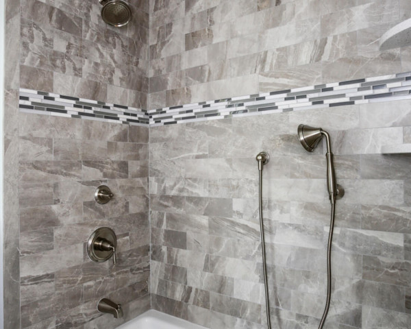 2nd Floor bathroom II