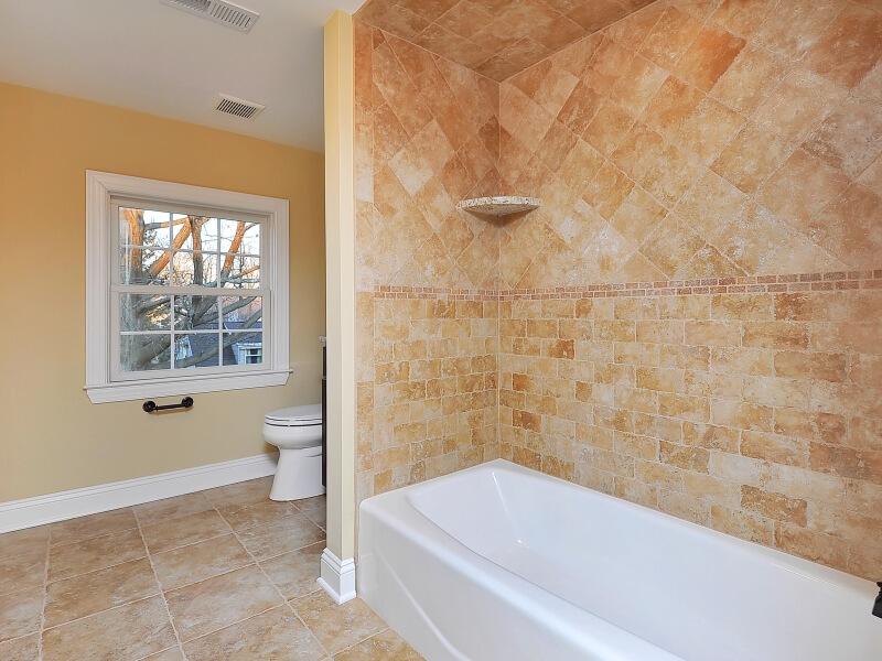309 Belmar Attic Bathroom