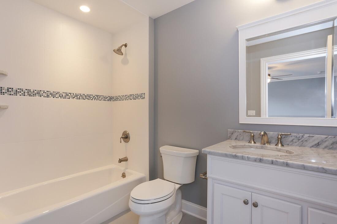 408 Quantuck Ensuite Bathroom
