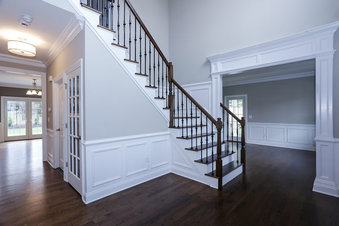 408 Quantuck Foyer