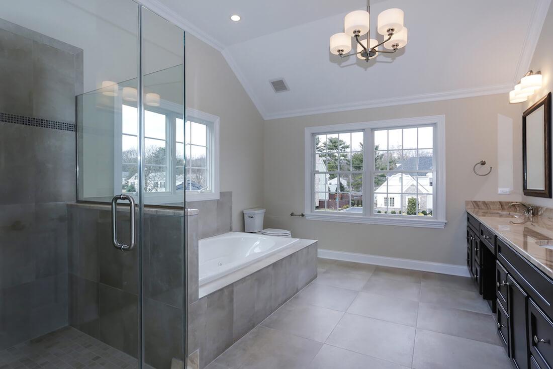 408 Quantuck Master Bathroom