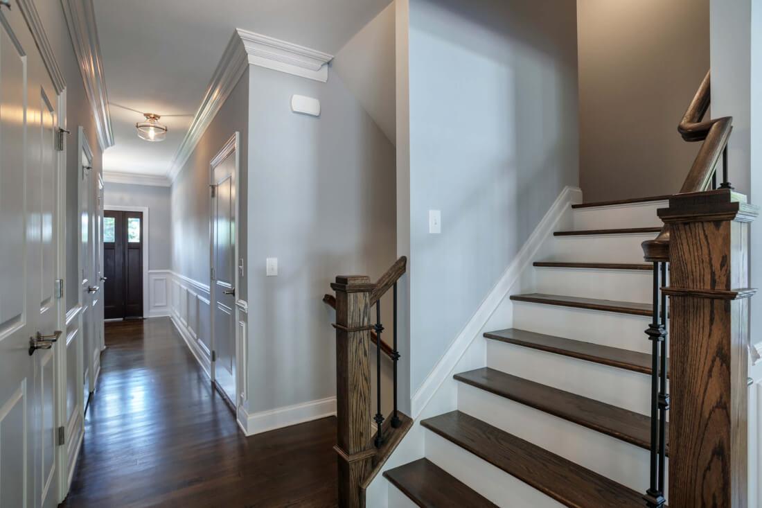 610 Cumberland Hallway and Stairwell