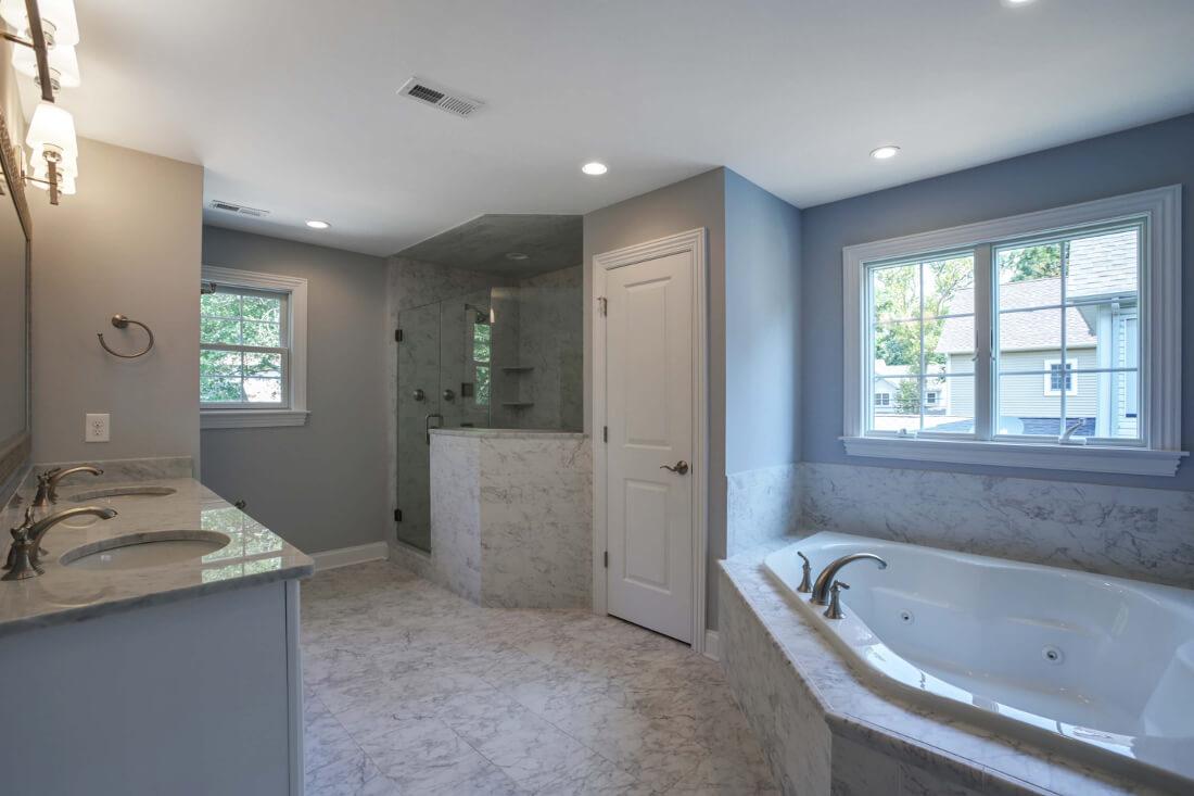 610 Cumberland Master Bathroom I