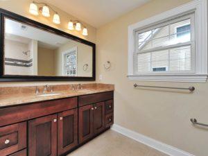 611 Norwood Drive, Westfield- 2nd Floor Hall Bathroom
