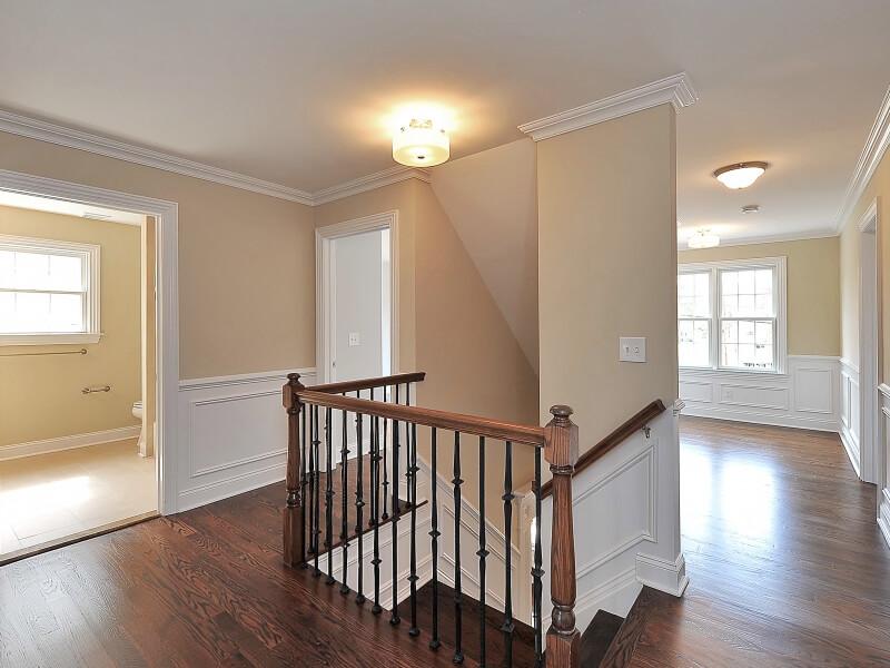 611 Norwood 2nd Floor Hallway