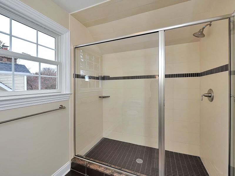 611 Norwood Attic Bathroom