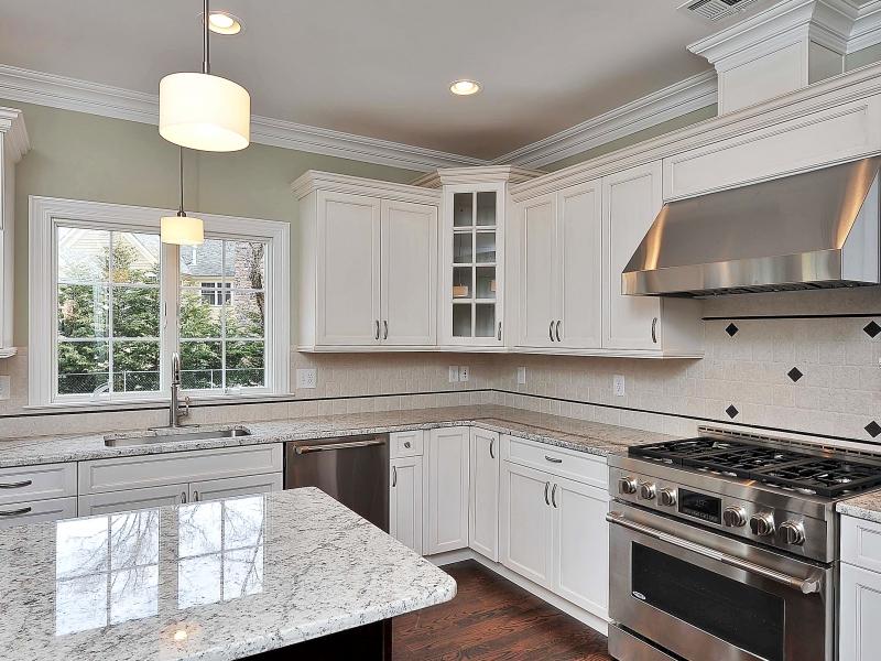 611 Norwood Kitchen III