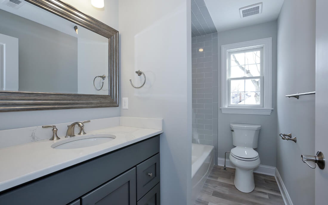 621 Green Ensuite Bathroom