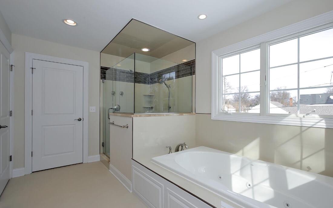 621 Green Master Bathroom 1