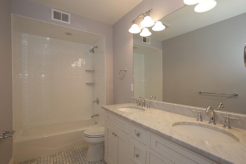645 Lenox 2nd Floor Hall Bathroom