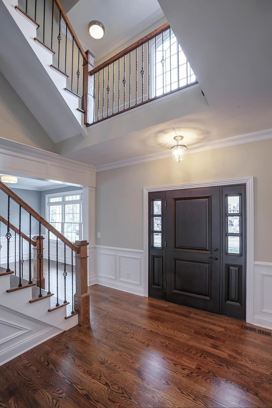 670 Foyer