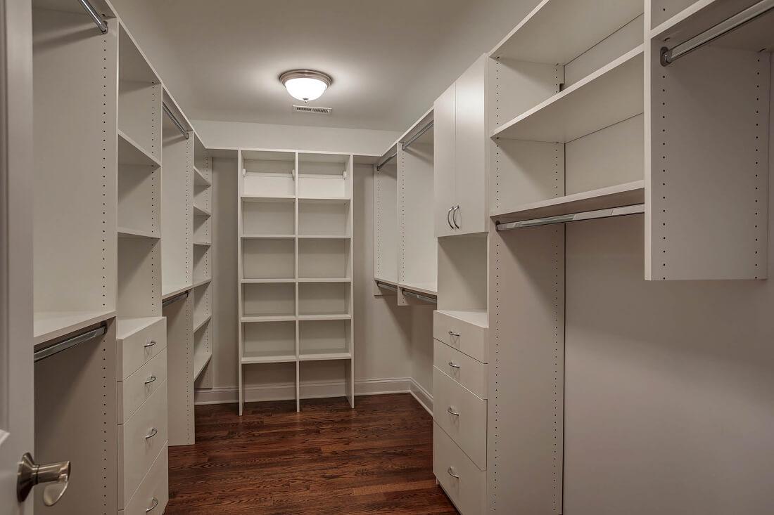 670 Master Closet