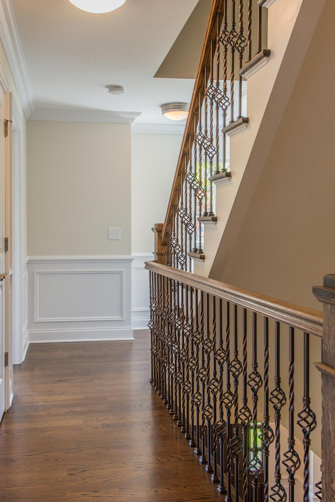 713 2nd Floor hallway