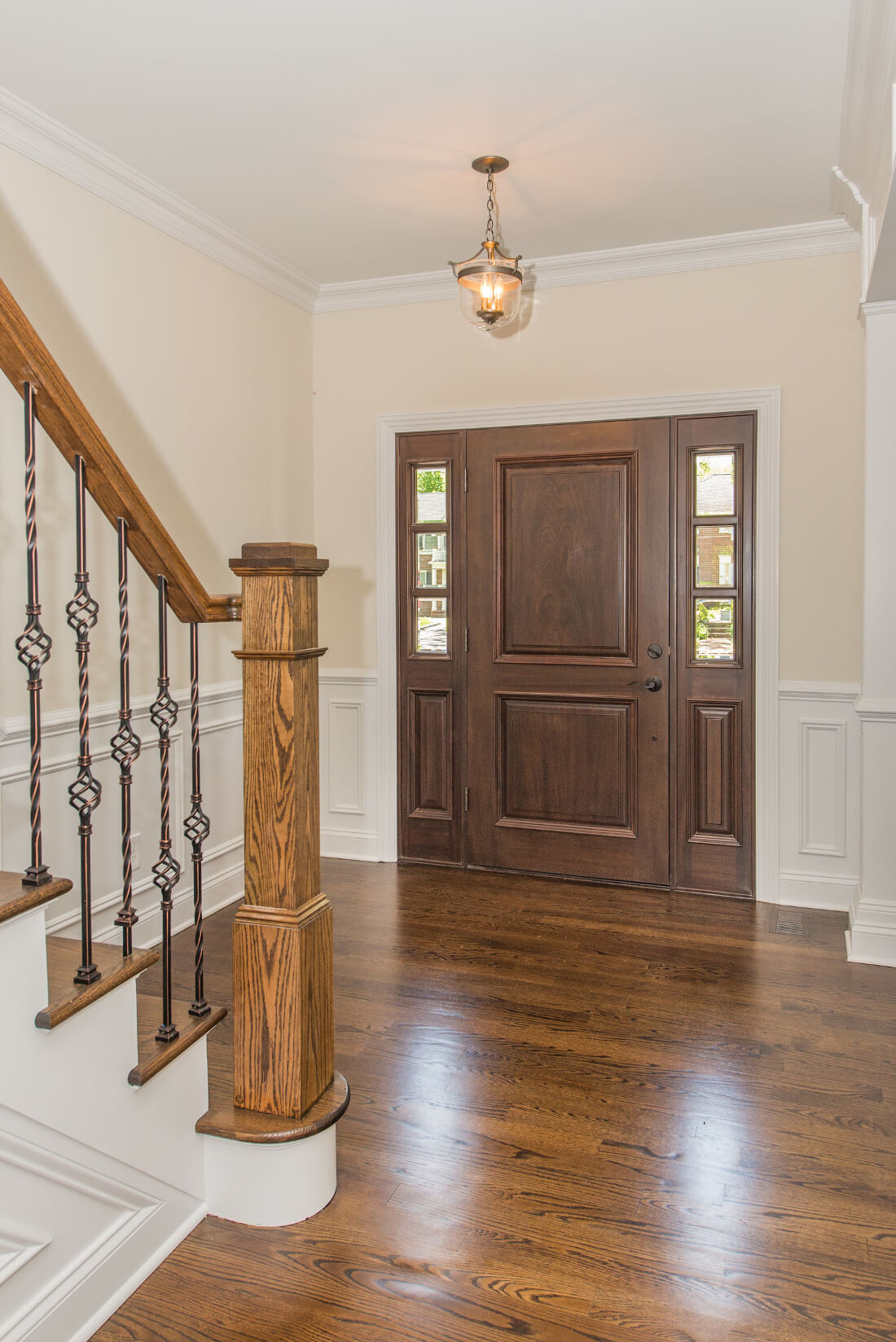 713 Front Foyer