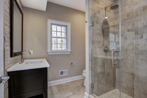 816 Knollwood Terrace, Westfield- 1st Floor Bathroom