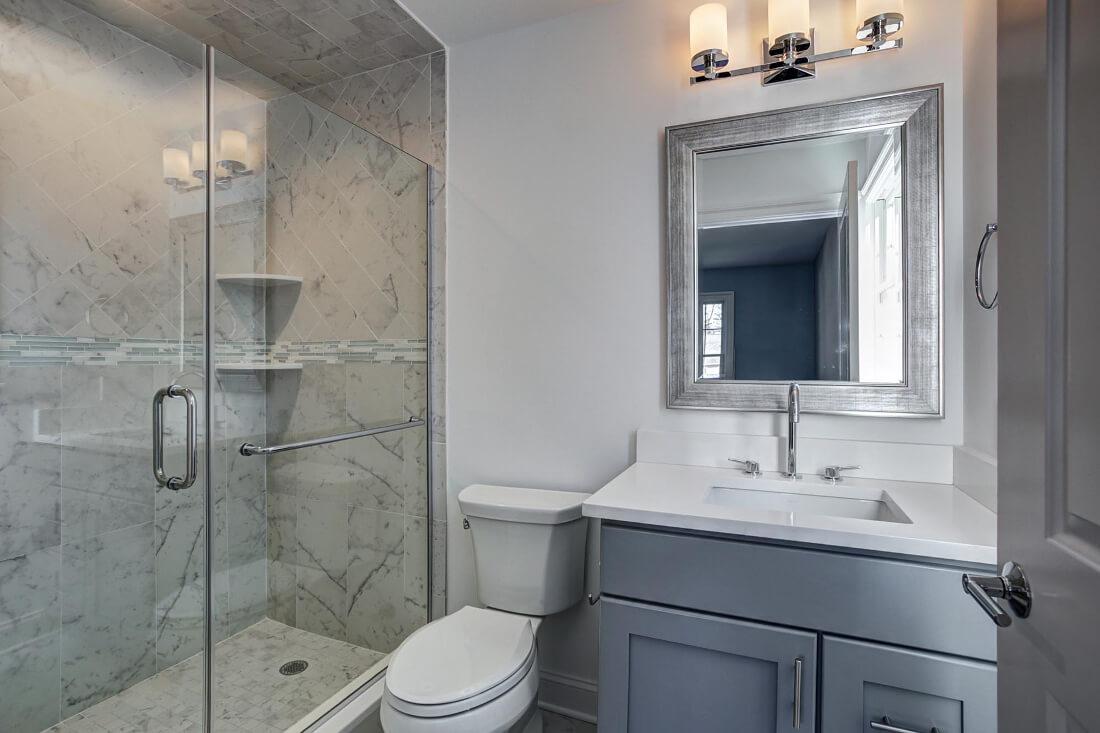 816 Ensuite Bathroom