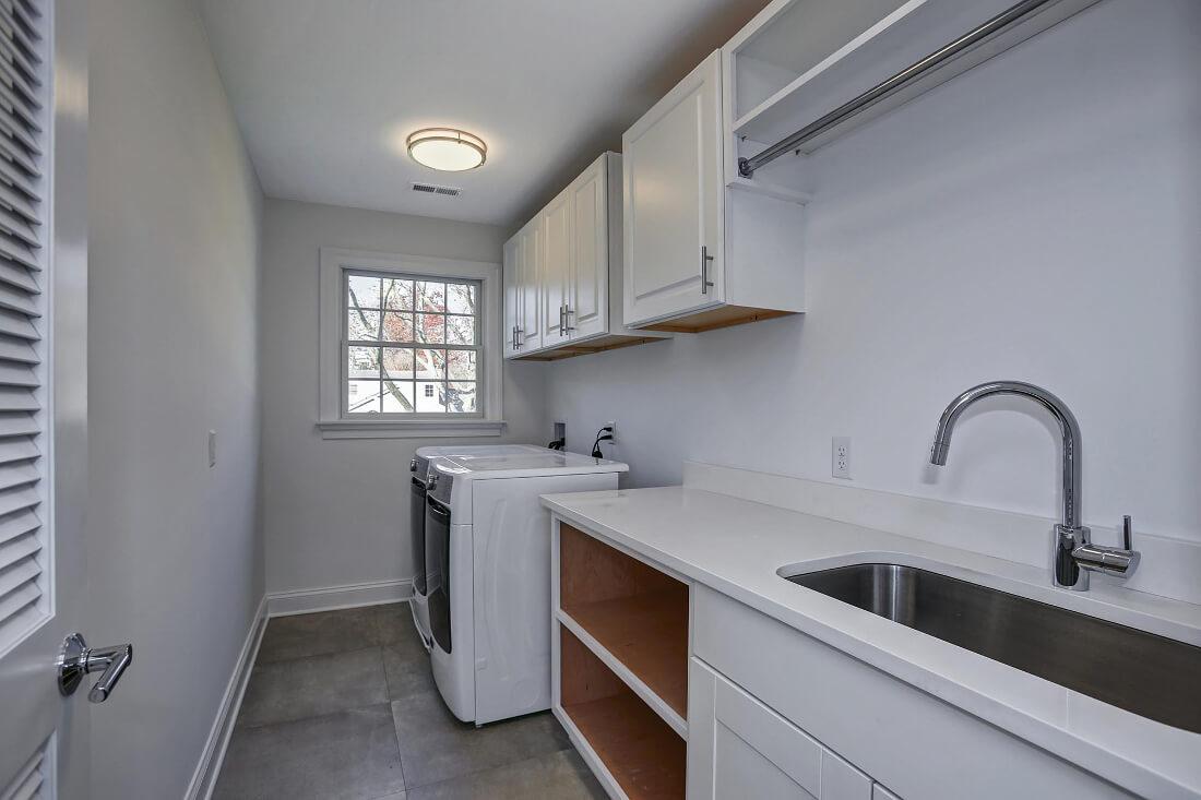 816 Laundry Room