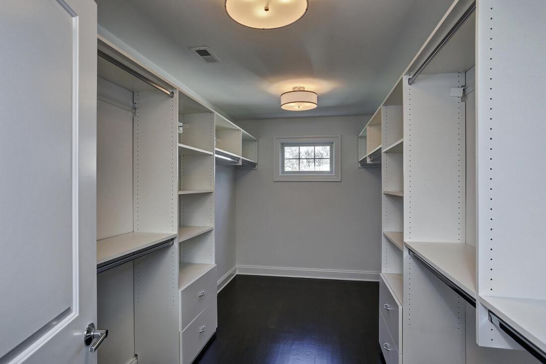 816 Master Closet