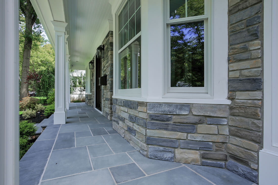 843 Nancy Way -Front-Porch