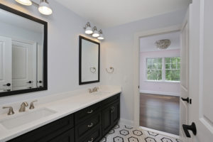 843 Nancy Way - J&J Bathroom