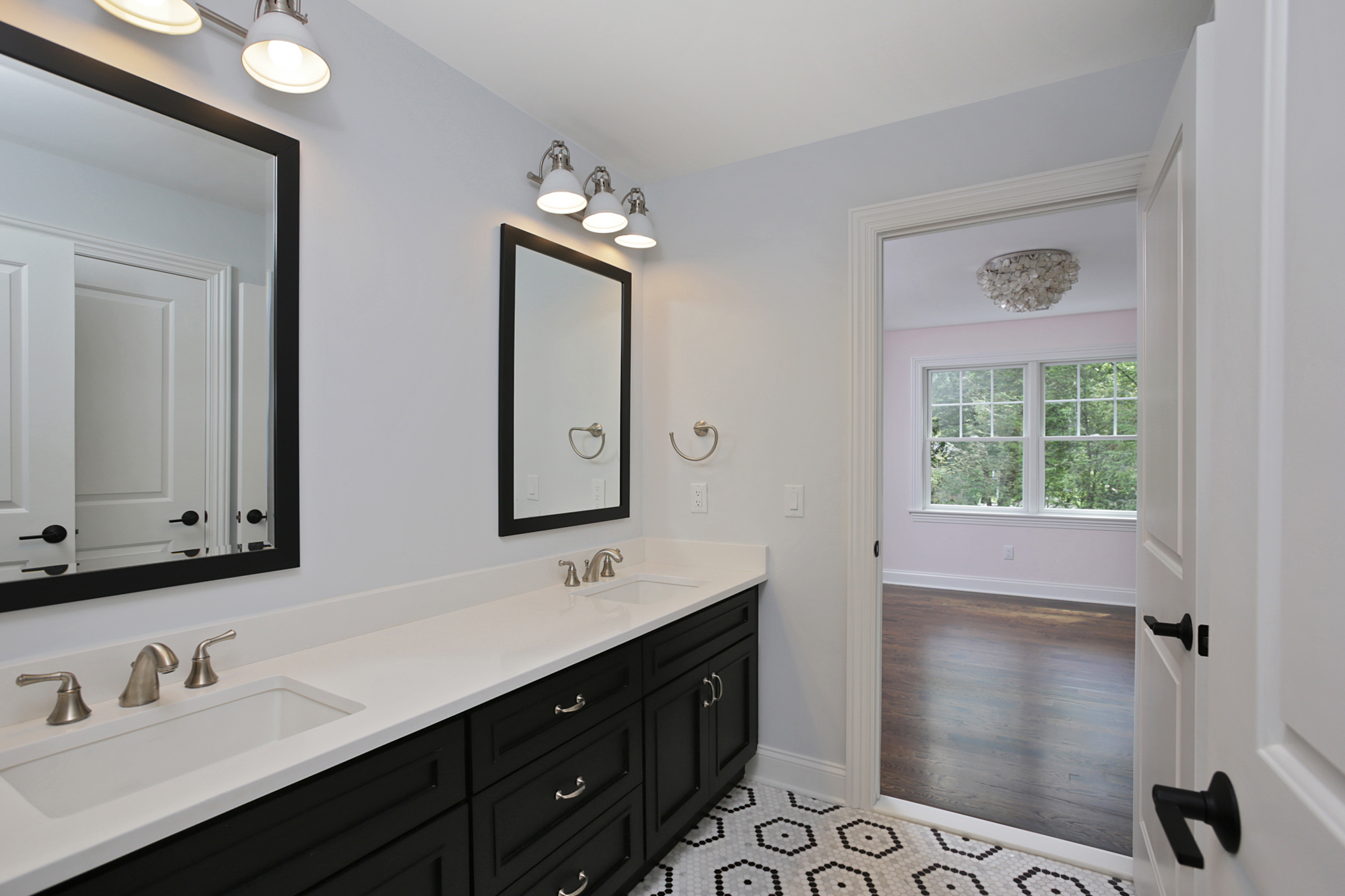 843 Nancy Way – J&J Bathroom