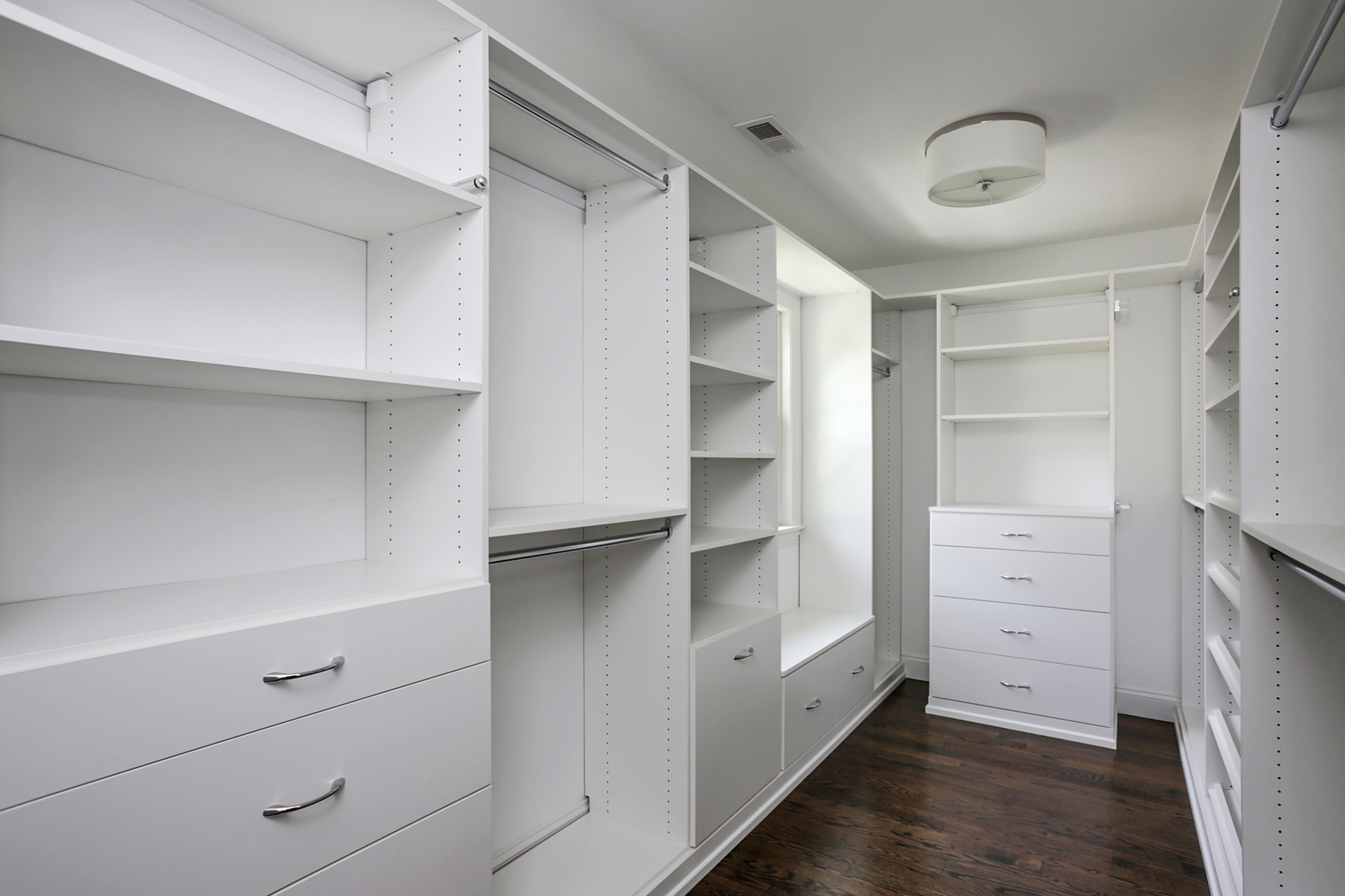 843 Nancy Way – Master Closet