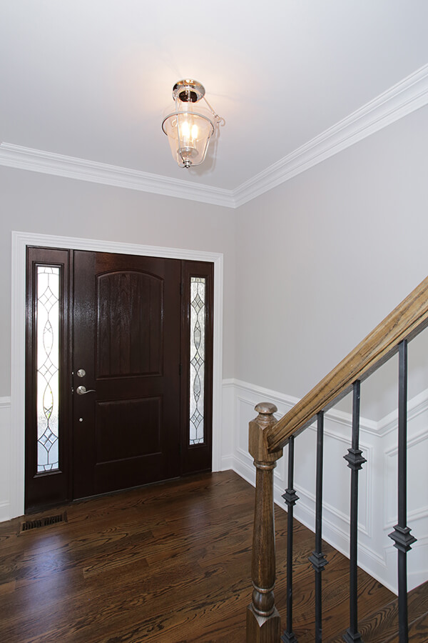 627 Leigh Front Foyer