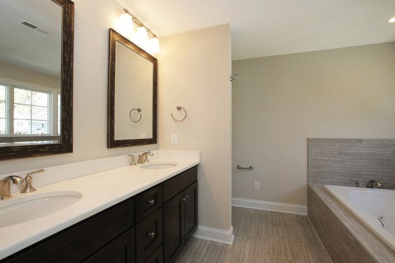 627 Leigh Master Bathroom I