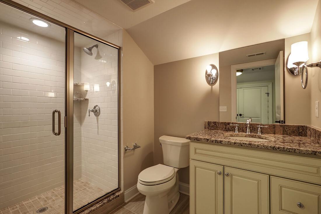 648 Maple Basement Bathroom