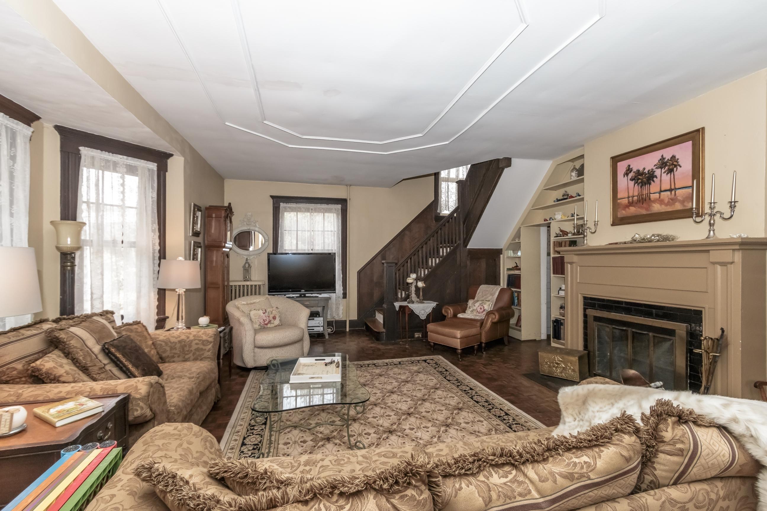 Before – Original Family Room