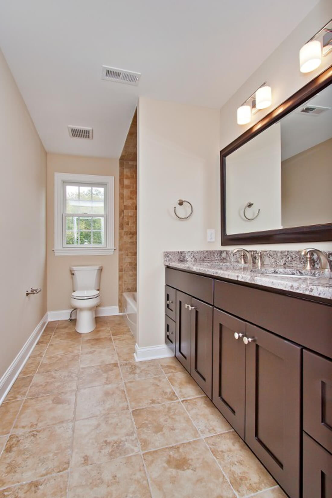 62 Tamaques 2nd Floor Hall Bathroom