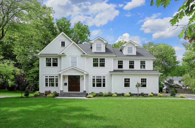 834 New England Drive, Westfield