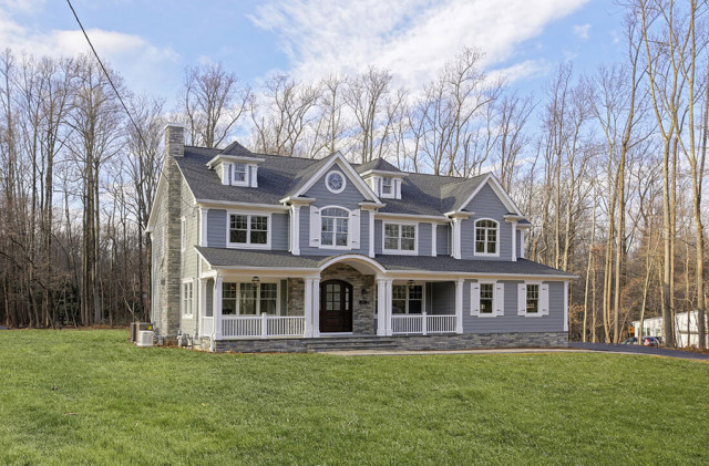 Modern Colonial: A Custom Home Build in Warren, NJ