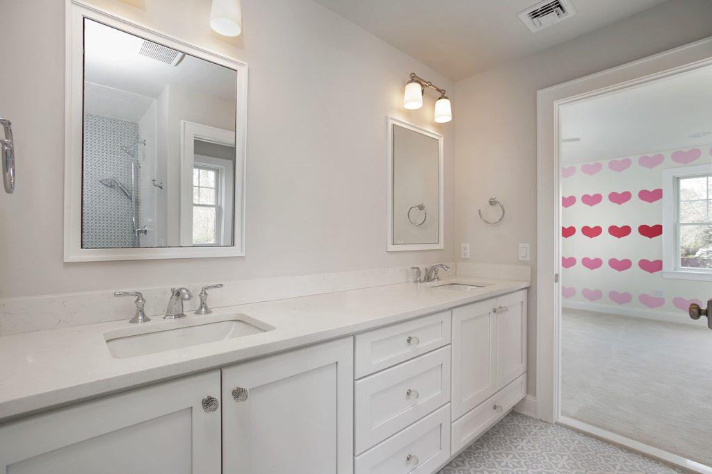 jack-and-jill-childrens-bathroom-premier-design-custom-homes