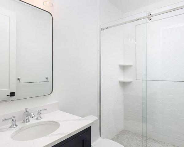 1st Floor Ensuite Bathroom