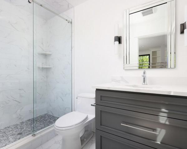 2nd Floor Ensuite Bathroom