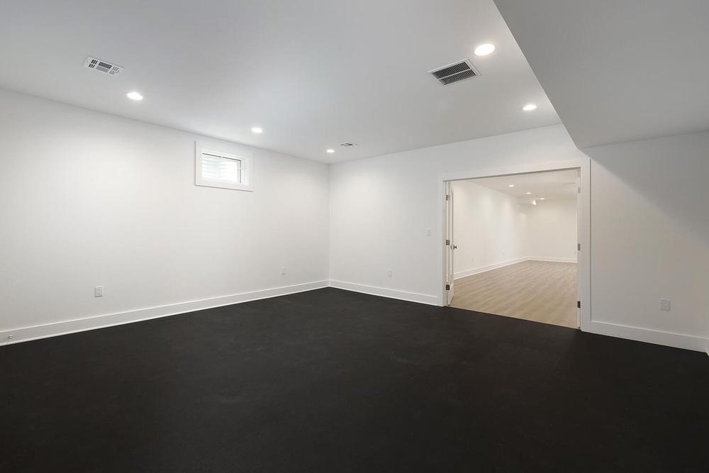 Finished Basement – Home Gym II