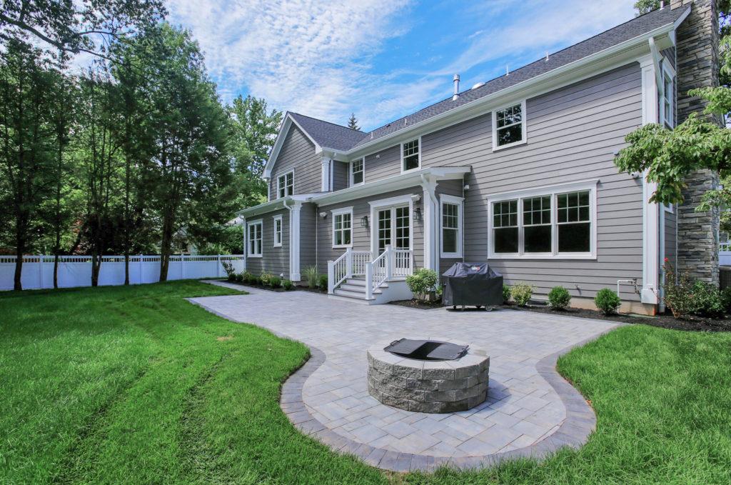 outdoor-patio-entertaining-space-fire-pit-premier-design-custom-homes
