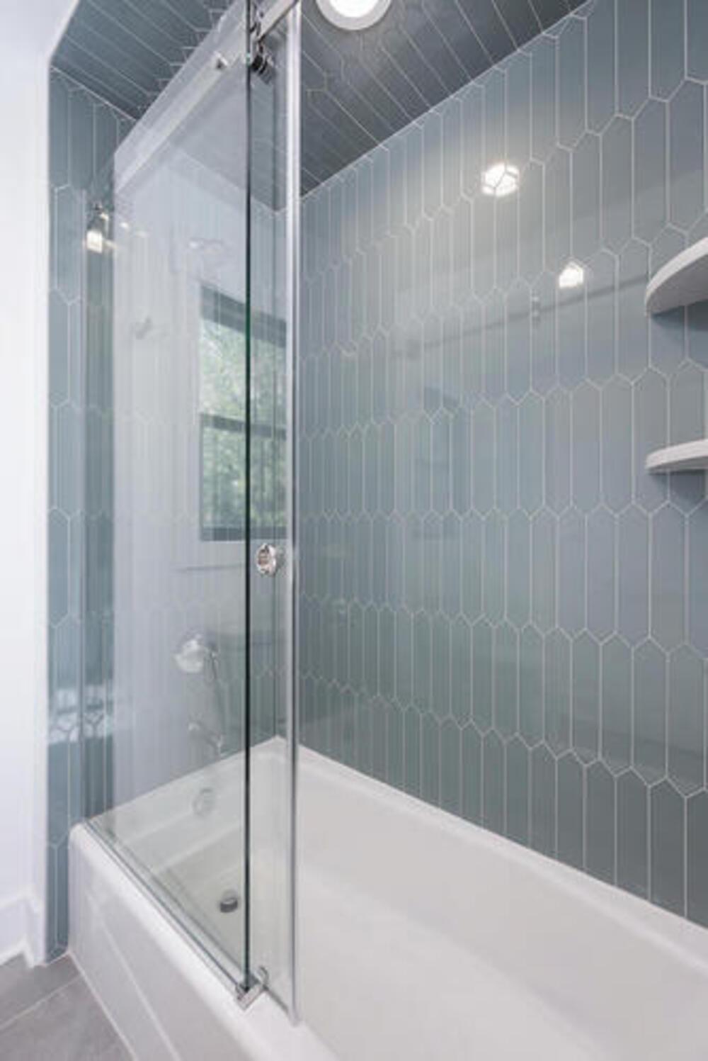 2nd Floor Jack & Jill Bathroom II